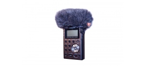 055384_tascam_dr_100_mini_windjammer_in_use